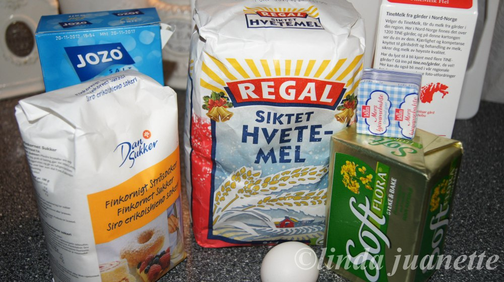 Ingredienser til Wienerbrødbakst.