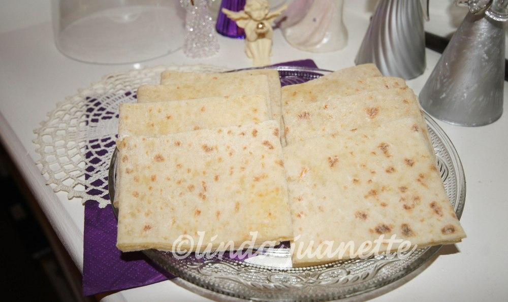 Til kaffelefse smøres lefsa med godt smør, sukker og kanel.