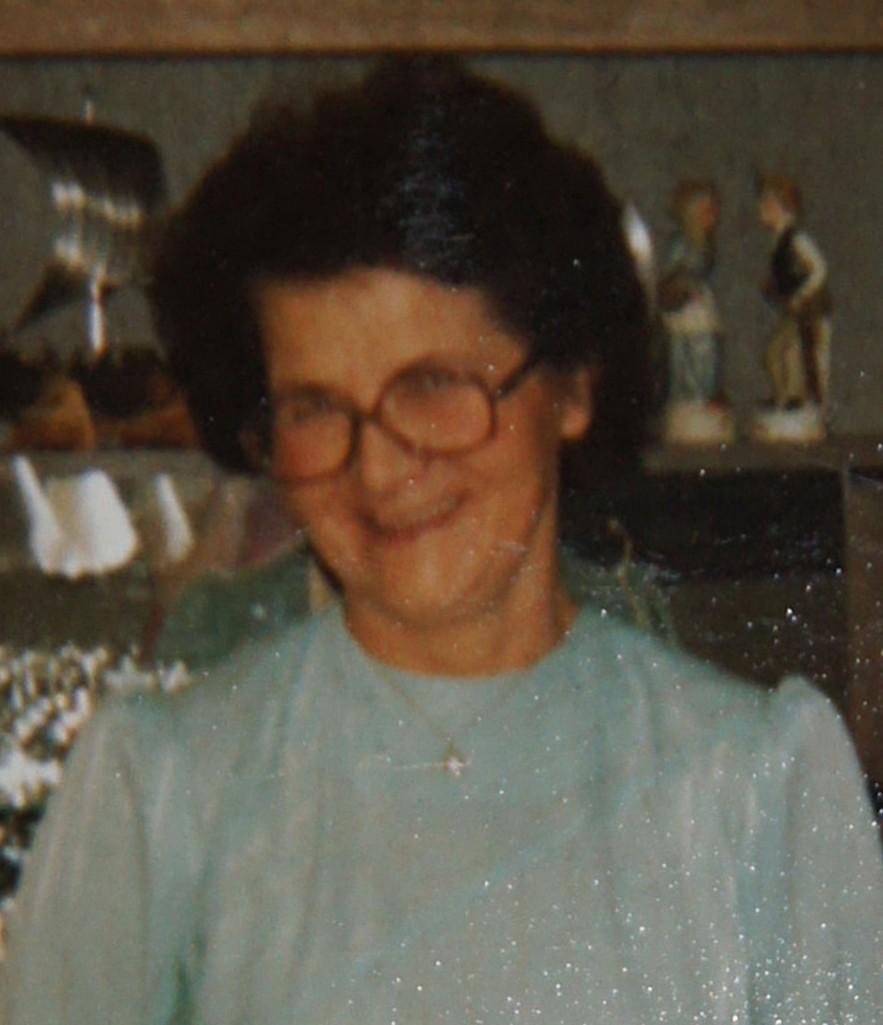 Vakre, snille mor Alfhild. Bildet er tatt da hun feiret sin 60-årsdag.