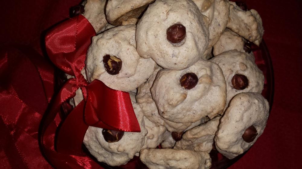 Nøttekyss - deilige småkaker med hasselnøtter.