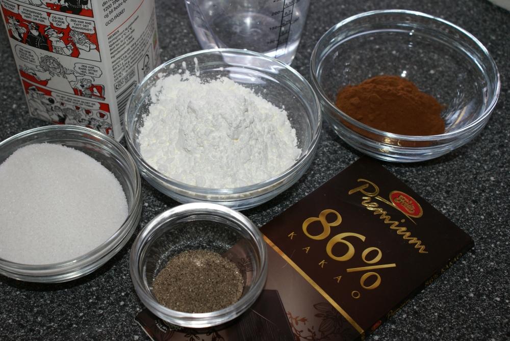 Ingredienser til sjokoladepudding.