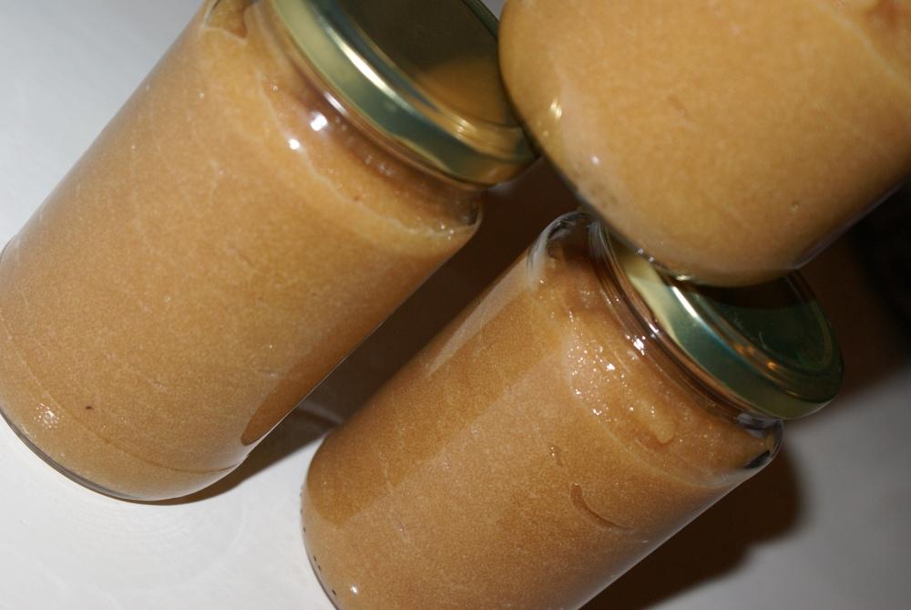 Ha den ferdiglagde kaviaren på tette glass eller annen lufttett emballasje. Kaviar kan fryses.