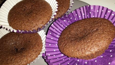 Saftige og gode cupcakes med sjokolade og vaniljesmak :-)